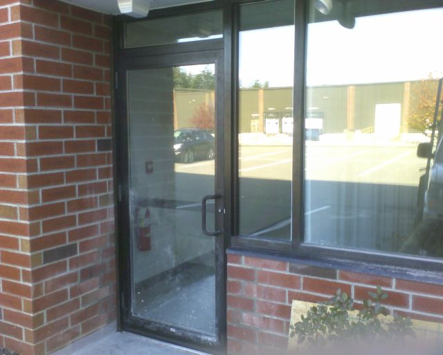 Aluminum window commercial aluminum window manufacturers for Commercial entry doors